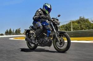AutocarIndia-TOP 1 MC, Oli Terbaik Buat Motor Yamaha MT-15